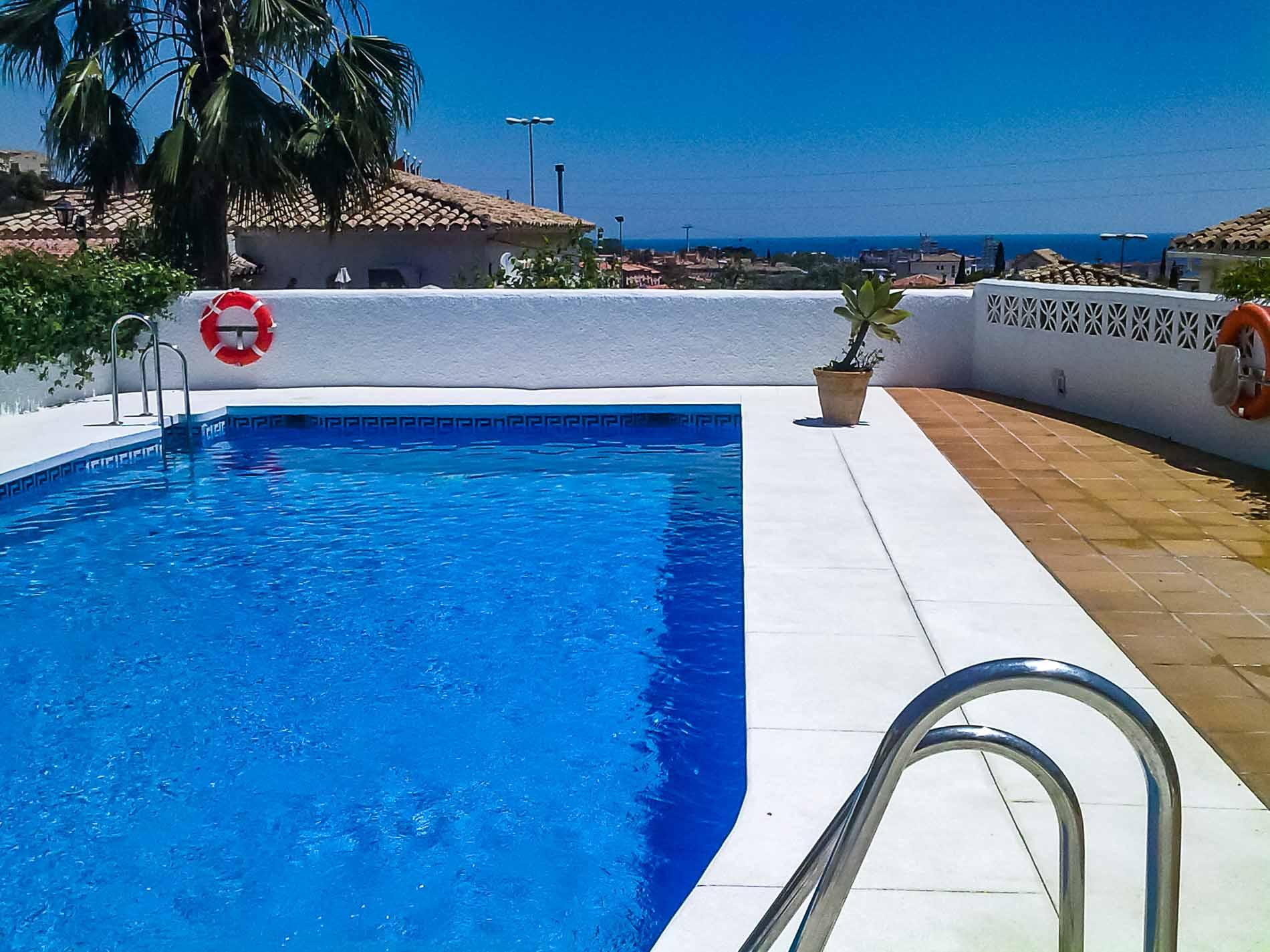 Reforma tu piscina con serconsa construcci n for Piscina z